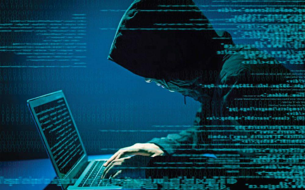 burr para një laptopi që shfaq rreshta të kodit